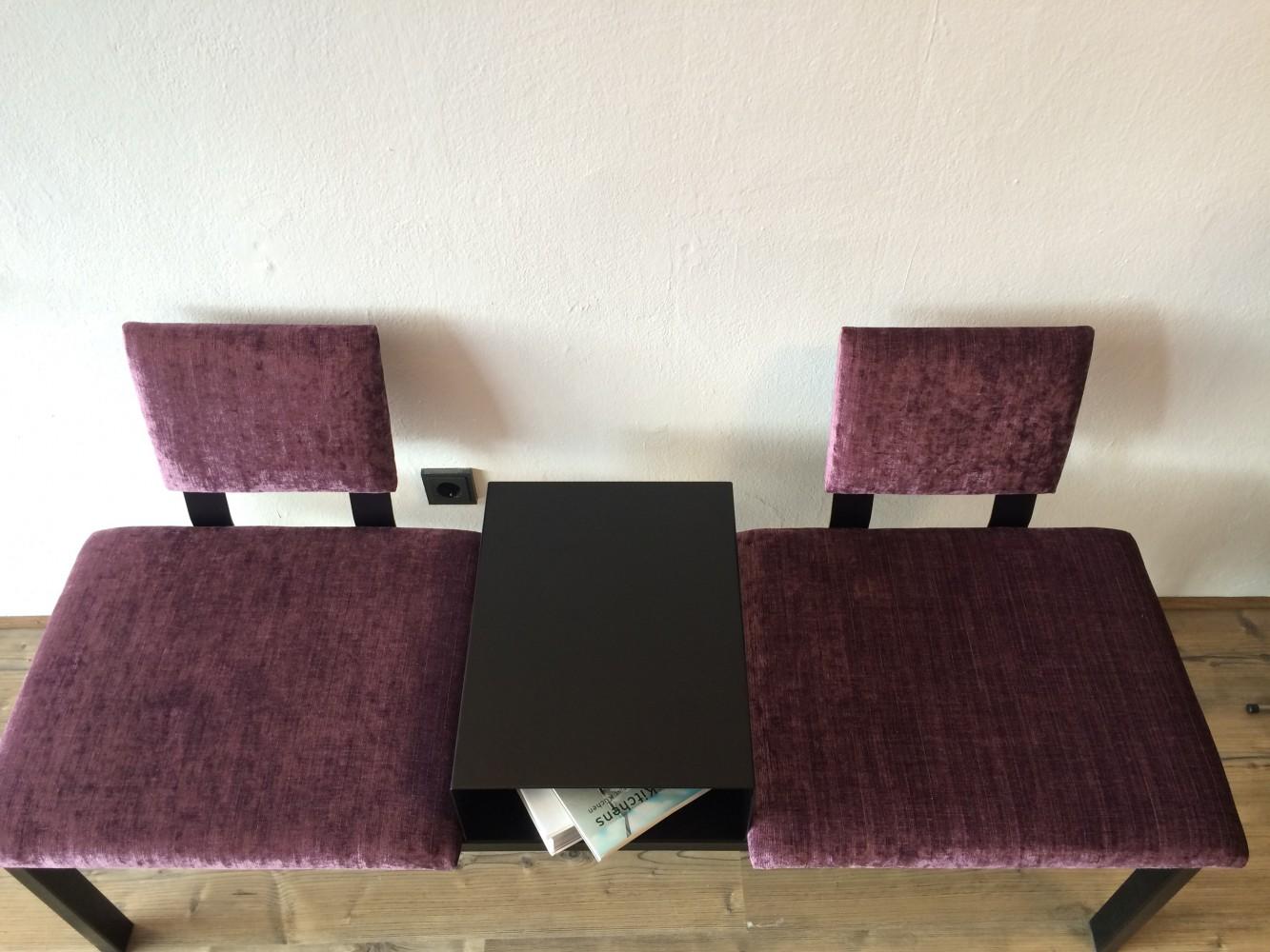 2 places violet-noir